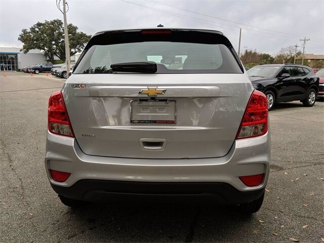 2020 Silver Ice Metallic Chevrolet Trax LS SUV ECOTEC 1.4L I4 SMPI DOHC Turbocharged VVT Engine Automatic 4 Door