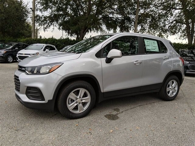 2020 Silver Ice Metallic Chevrolet Trax LS Automatic ECOTEC 1.4L I4 SMPI DOHC Turbocharged VVT Engine SUV FWD 4 Door