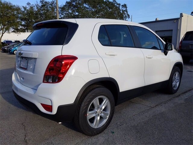2020 Chevrolet Trax LS ECOTEC 1.4L I4 SMPI DOHC Turbocharged VVT Engine Automatic 4 Door