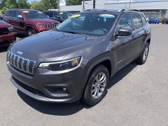 2019 Jeep Cherokee Latitude Plus Automatic Regular Unleaded I-4 2.4 L/144 Engine AWD