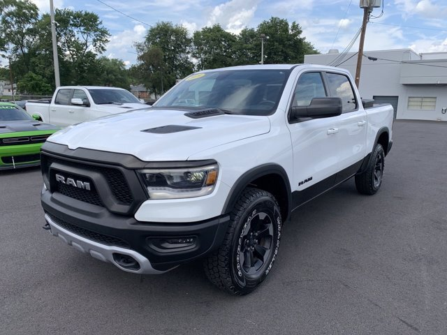 2019 Bright White Clearcoat Ram 1500 Rebel 4X4 Truck Automatic 4 Door Regular Unleaded V-8 5.7 L/345 Engine