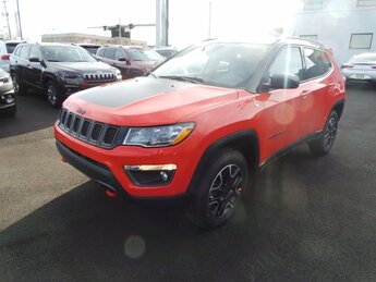 2021 Spitfire Orange Clearcoat Jeep Compass Trailhawk Regular Unleaded I-4 2.4 L/144 Engine 4X4 4 Door Automatic