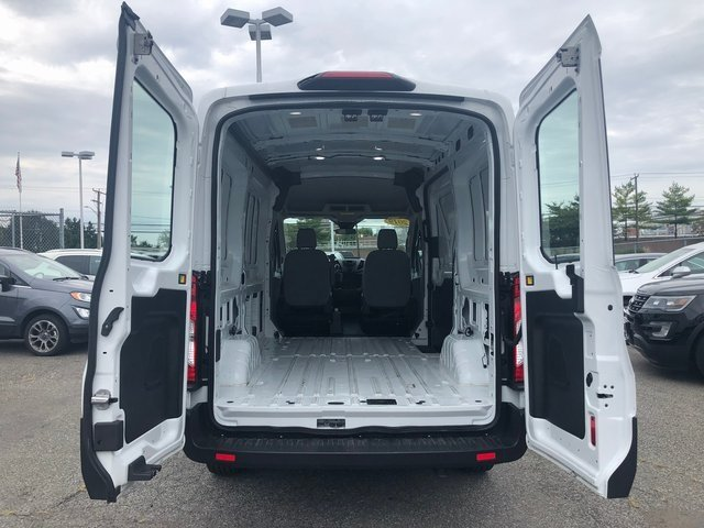 "2019 Oxford White Ford Transit-250 MR 130"" Automatic RWD 3.7L V6 Ti-VCT 24V Engine 3 Door"