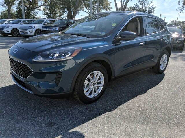 2020 Ford Escape SE SUV Automatic Intercooled Turbo Premium Unleaded I-3 1.5 L/91 Engine FWD 4 Door