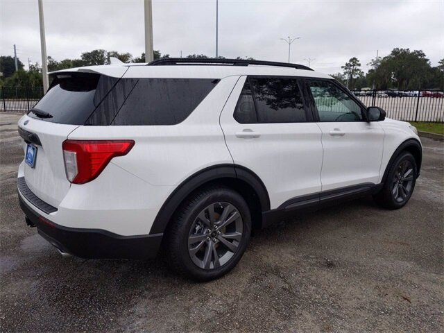 2021 White Ford Explorer XLT 4 Door SUV RWD