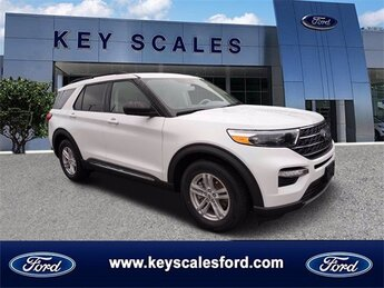 2021 Oxford White Ford Explorer XLT 4 Door EcoBoost 2.3L I4 GTDi DOHC Turbocharged VCT Engine RWD SUV Automatic