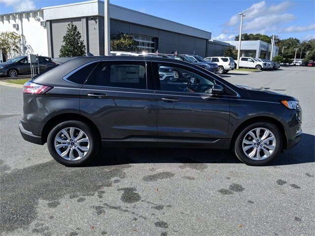 2020 Magnetic Metallic Ford Edge Titanium EcoBoost 2.0L I4 GTDi DOHC Turbocharged VCT Engine Automatic 4 Door FWD SUV