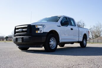 2017 Oxford White Ford F-150 XL 4 Door Automatic 3.5L V6 Ti-VCT Engine RWD Truck