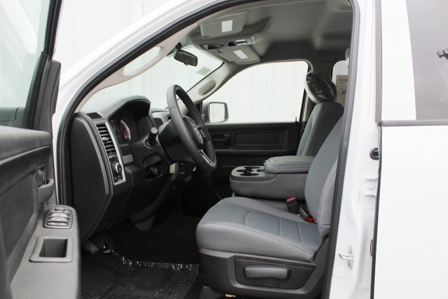 2019 Bright White Clearcoat Ram 1500 Express Truck 5.7L 8-Cylinder Engine 4 Door 4X4