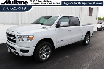 2019 Bright White Clearcoat Ram 1500 Big Horn/Lone Star HEMI 5.7L V8 Multi Displacement VVT Engine 4 Door 4X4 Truck Automatic