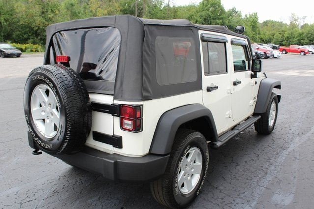 2010 Stone White Jeep Wrangler Sport Automatic 4X4 4 Door SUV 3.8L V6 SMPI Engine