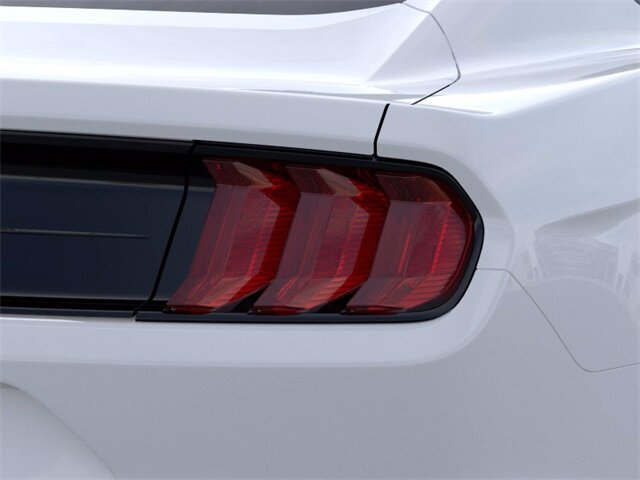 2021 Oxford White Ford Mustang EcoBoost RWD EcoBoost 2.3L I4 GTDi DOHC Turbocharged VCT Engine 2 Door Car Automatic
