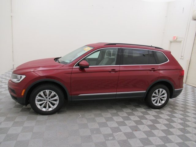 2018 Cardinal Red Metallic Volkswagen Tiguan 2.0T SE 2.0L TSI DOHC Engine Automatic 4 Door