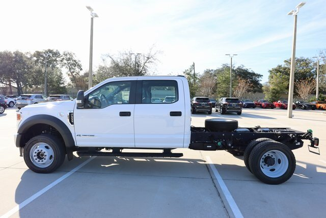 2020 Oxford White Ford Super Duty F-550 DRW XL 4 Door Automatic Truck 4X4 Power Stroke 6.7L V8 DI 32V OHV Turbodiesel Engine