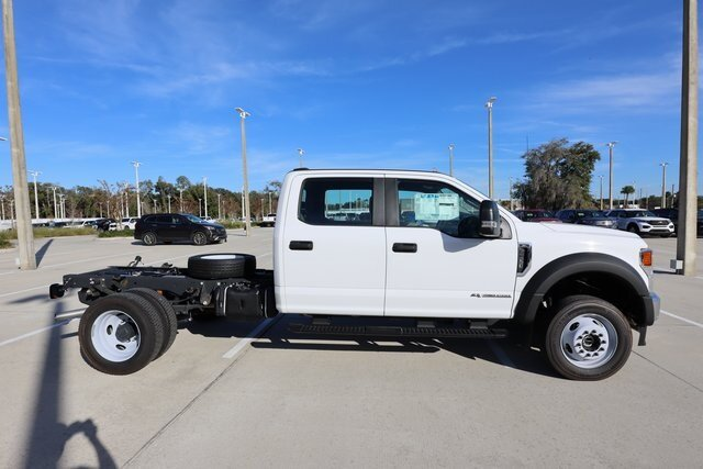 2020 Oxford White Ford Super Duty F-550 DRW XL Truck 4X4 Automatic Power Stroke 6.7L V8 DI 32V OHV Turbodiesel Engine