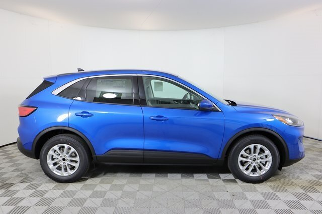 2021 Velocity Blue Metallic Ford Escape SE 1.5L EcoBoost Engine FWD Automatic 4 Door SUV