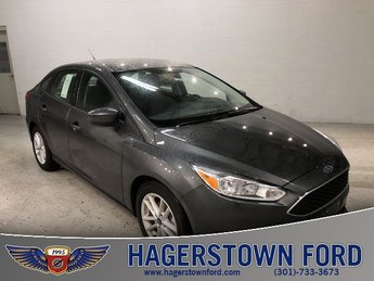 2018 Magnetic Metallic Ford Focus SE 4 Door I4 Engine Automatic