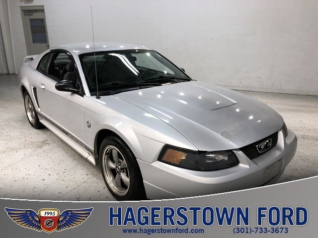 2004 Ford Mustang V6 Coupe Manual 3.8L V6 EFI OHV Engine 2 Door RWD