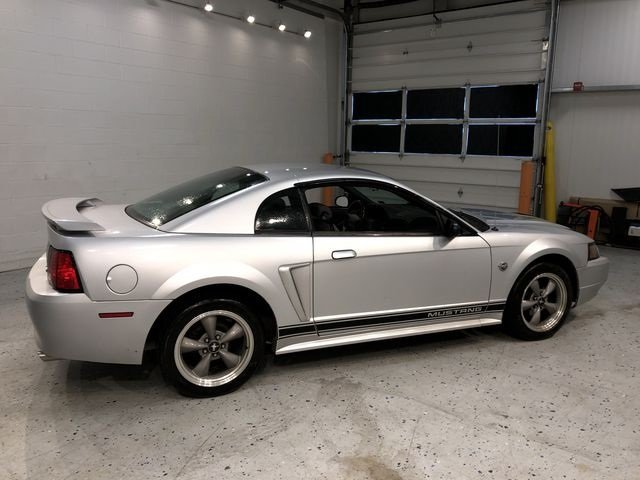 2004 Ford Mustang V6 Coupe 2 Door 3.8L V6 EFI OHV Engine