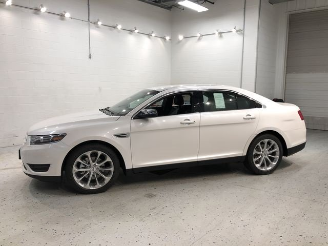 2018 White Platinum Clearcoat Metallic Ford Taurus Limited 3.5L V6 Ti-VCT Engine Automatic 4 Door Sedan FWD