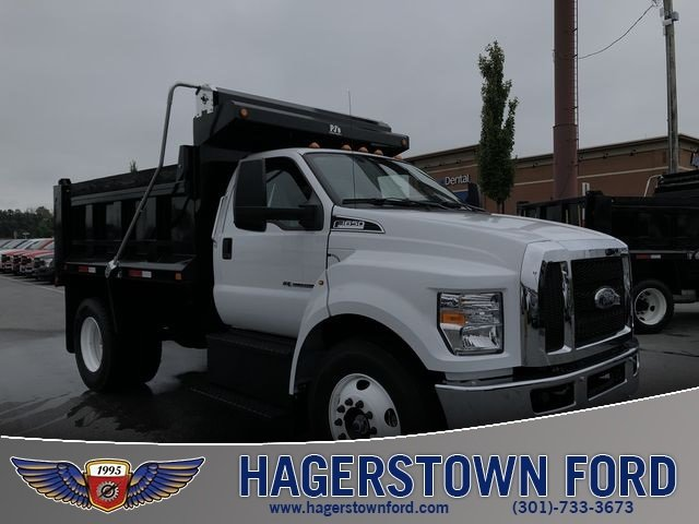2018 Oxford White Ford F-650SD Truck 2 Door Automatic