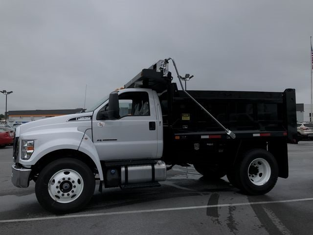 2018 Oxford White Ford F-650SD 2 Door RWD Automatic Truck 6.7L Diesel Engine