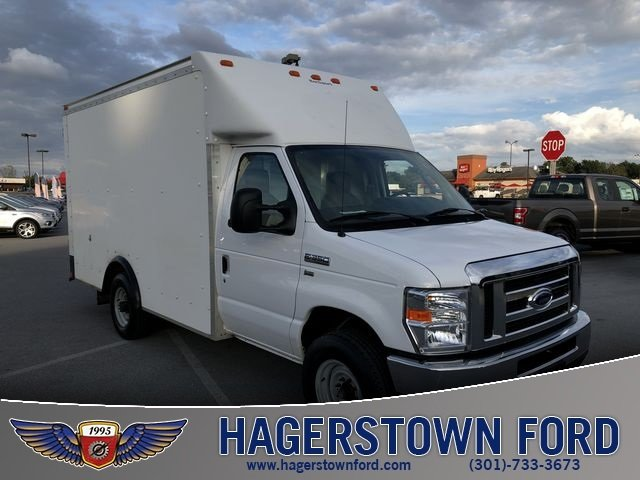 2014 Oxford White Ford E-350SD Base Automatic Car 2 Door RWD 5.4L V8 Engine