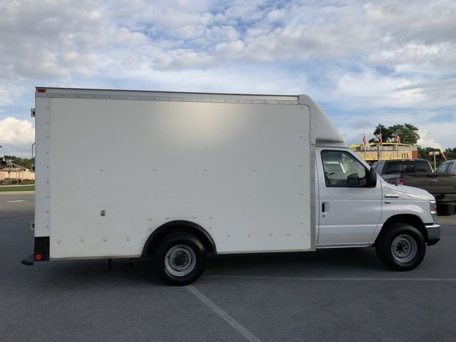 2014 Oxford White Ford E-350SD Base Car RWD 2 Door Automatic