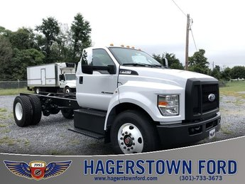 2018 Ford F-750SD 2 Door 6.7L 8-Cylinder Diesel Engine RWD Truck
