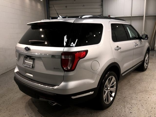 2018 Ingot Silver Metallic Ford Explorer Limited 4 Door 4X4 Automatic