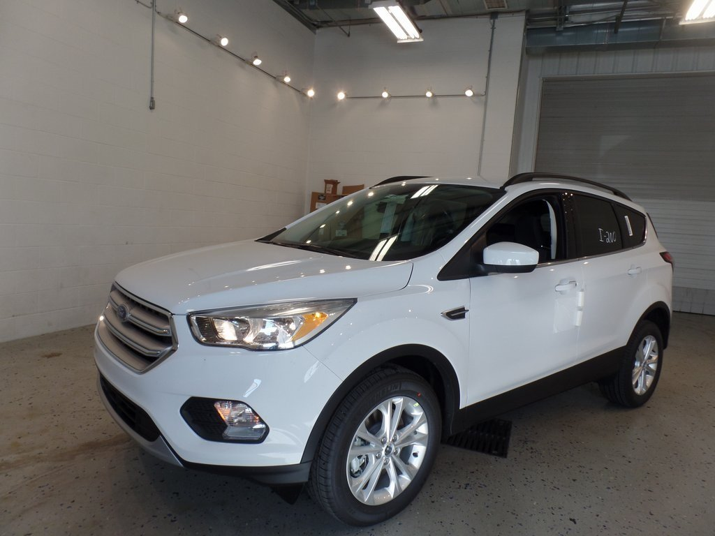 2018 Oxford White Ford Escape SE EcoBoost 1.5L I4 GTDi DOHC Turbocharged VCT Engine 4 Door Automatic SUV 4X4