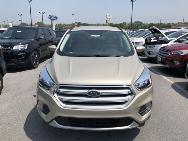 2018 Ford Escape SE EcoBoost 1.5L I4 GTDi DOHC Turbocharged VCT Engine 4X4 Automatic SUV