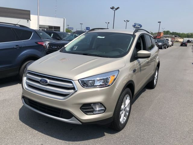 2018 White Gold Metallic Ford Escape SE 4X4 4 Door SUV Automatic EcoBoost 1.5L I4 GTDi DOHC Turbocharged VCT Engine