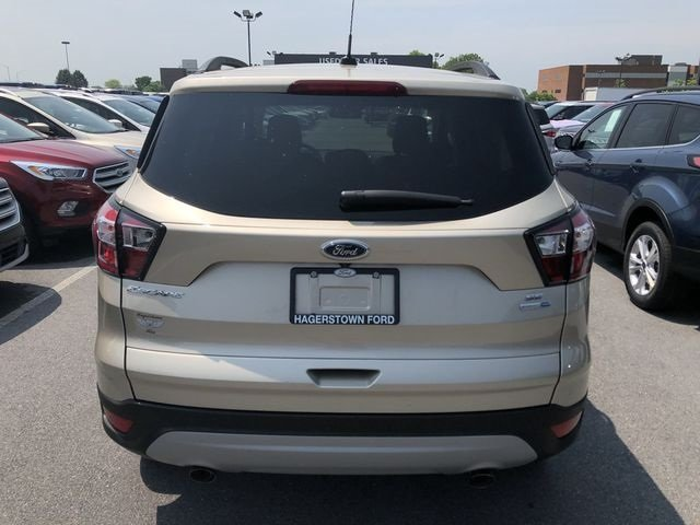 2018 White Gold Metallic Ford Escape SE EcoBoost 1.5L I4 GTDi DOHC Turbocharged VCT Engine Automatic SUV