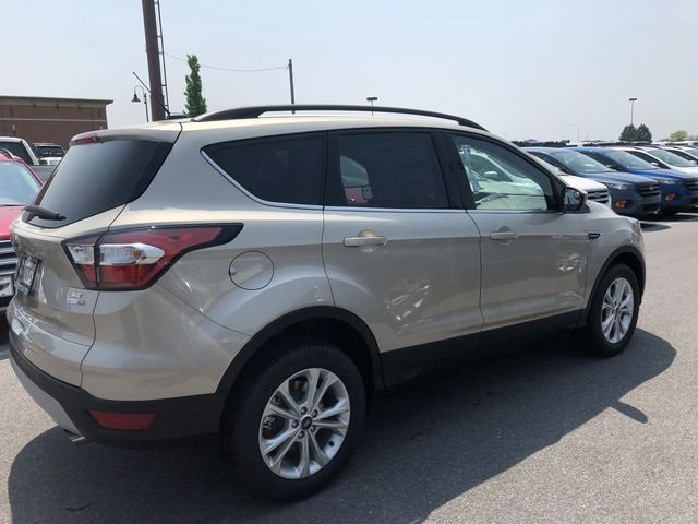 2018 White Gold Metallic Ford Escape SE SUV EcoBoost 1.5L I4 GTDi DOHC Turbocharged VCT Engine Automatic