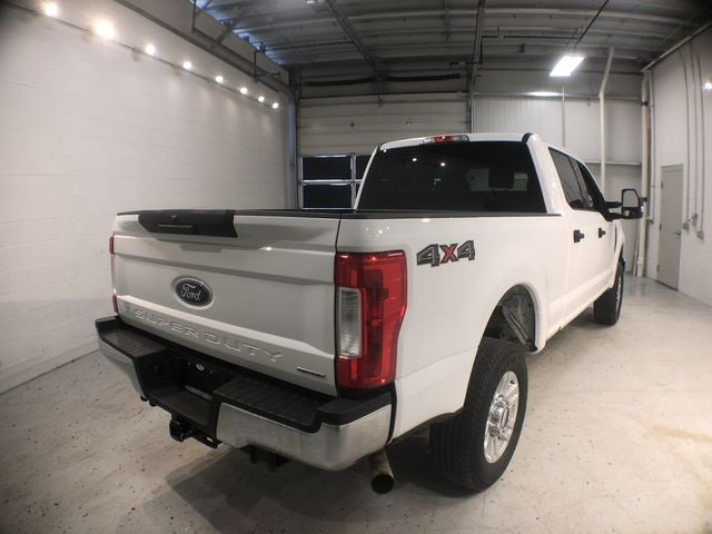 2018 Ford Super Duty F-250 SRW XLT 4X4 4 Door Automatic 6.2L V8 EFI SOHC 16V Flex Fuel Engine Truck