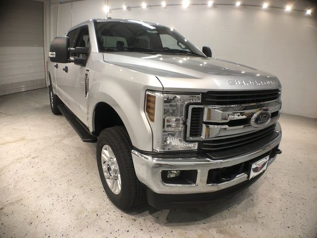 2018 Ingot Silver Metallic Ford Super Duty F-250 SRW XLT 4X4 Truck V8 Engine 4 Door