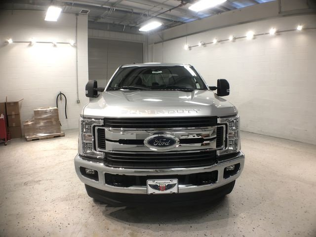 2018 Ingot Silver Metallic Ford Super Duty F-250 SRW XLT V8 Engine Automatic Truck 4 Door 4X4