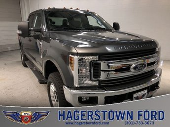 2019 Oxford White Ford Super Duty F-250 SRW XLT 4 Door 4X4 Automatic Power Stroke 6.7L V8 DI 32V OHV Turbodiesel Engine Truck