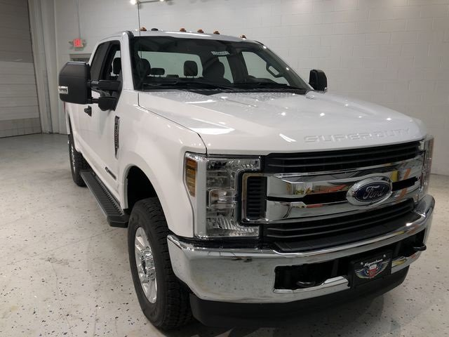 2019 Oxford White Ford Super Duty F-250 SRW XL 4 Door Power Stroke 6.7L V8 DI 32V OHV Turbodiesel Engine 4X4