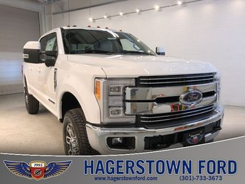 2018 Oxford White Ford Super Duty F-350 SRW Lariat Automatic 4 Door 4X4 Power Stroke 6.7L V8 DI 32V OHV Turbodiesel Engine