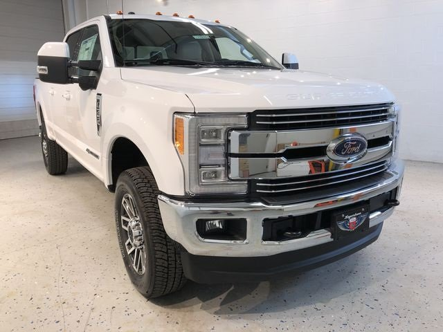 2018 Oxford White Ford Super Duty F-350 SRW Lariat 4 Door Automatic Truck