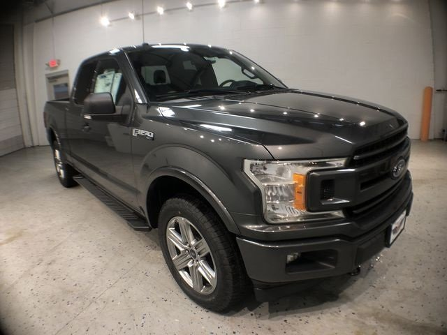 2018 Magnetic Metallic Ford F-150 XLT Truck 4X4 4 Door