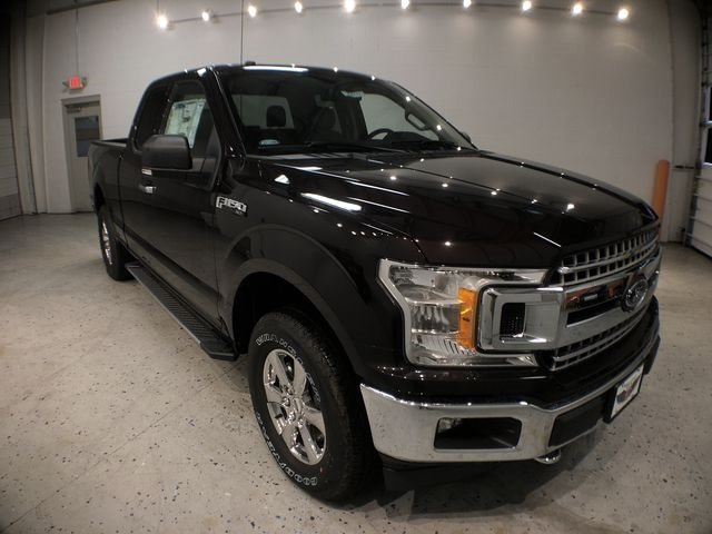 2018 Magma Red Metallic Ford F-150 XLT 4X4 4 Door 5.0L V8 Ti-VCT Engine Automatic