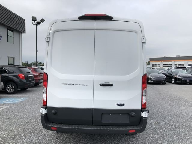 2018 Oxford White Ford Transit-250 Base 3 Door RWD Automatic 3.7L V6 Ti-VCT 24V Engine