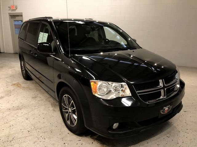 2017 Onyx Black Dodge Grand Caravan SXT 4 Door 3.6L V6 24V VVT Engine FWD Automatic Van