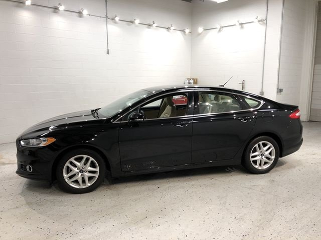 2016 Ford Fusion SE EcoBoost 1.5L I4 GTDi DOHC Turbocharged VCT Engine 4 Door Sedan FWD Automatic