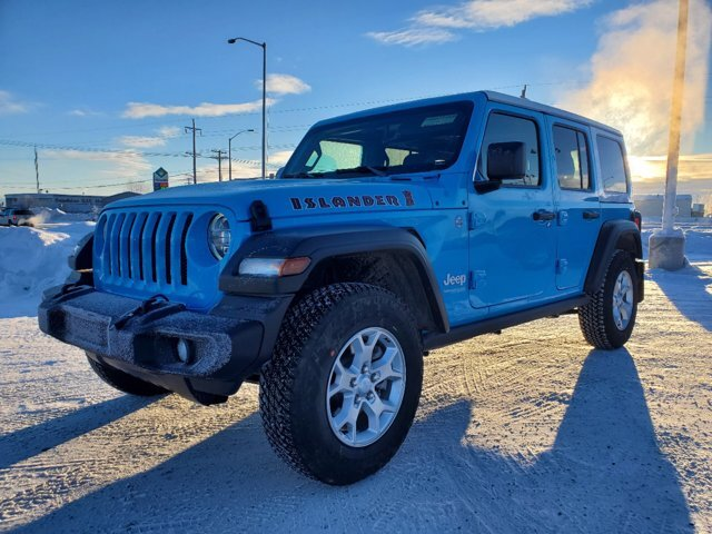2021 Chief Clearcoat Jeep Wrangler Islander Gas/Electric V-6 3.6 L/220 Engine 4X4 4 Door Automatic