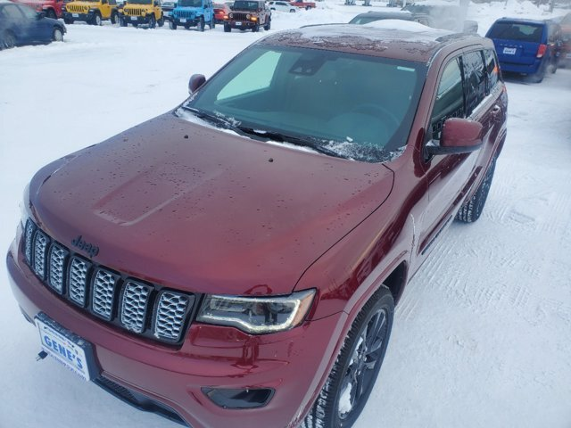 2020 Velvet Red Pearlcoat Jeep Grand Cherokee Altitude 4 Door SUV Regular Unleaded V-6 3.6 L/220 Engine