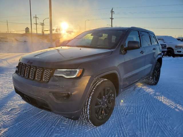 2021 Granite Crystal Metallic Clearcoat Jeep Grand Cherokee Laredo X 4 Door 4X4 Regular Unleaded V-6 3.6 L/220 Engine SUV Automatic